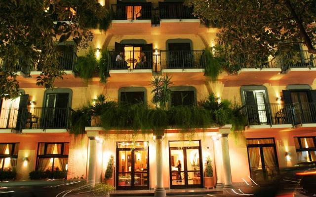 CENTRAL HOTEL , SORENTO (1)