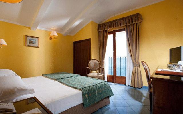 IMPERIAL HOTEL TRAMONTANO , SORENTO(1)