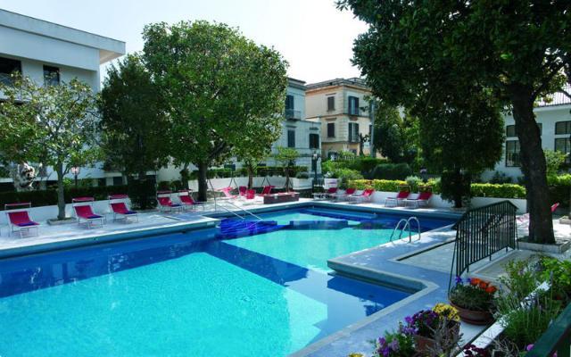 MAJESTIC HOTEL , SORENTO (1)