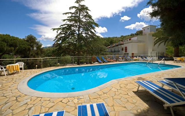 METROPOLE HOTEL , SORENTO (1)