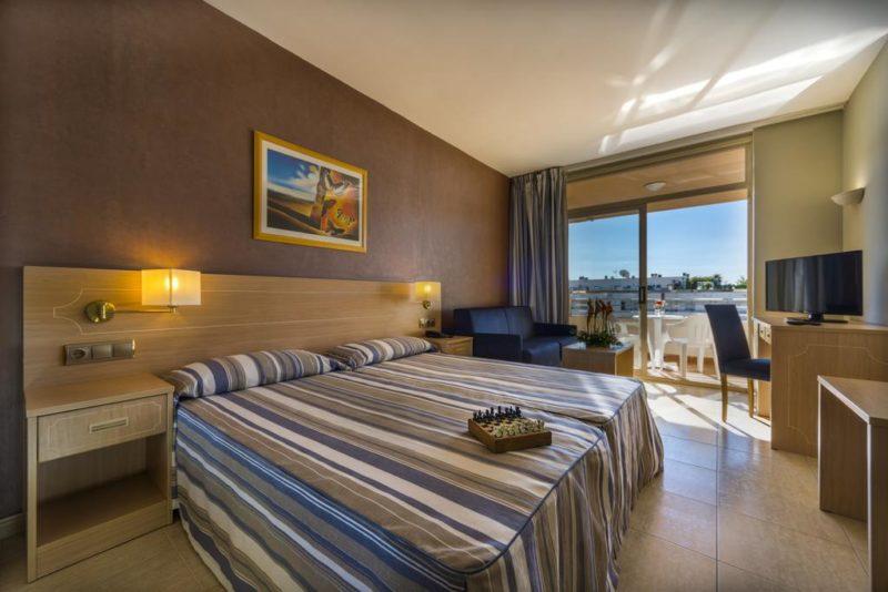 4R REGINA GRAN HOTEL , KOSTA DORADA (1)